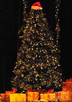 Merry Lil' Christmas Tree by Daniel Henning