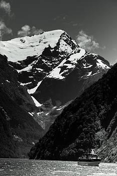 Milford Sound 5 by Jonathan Hansen