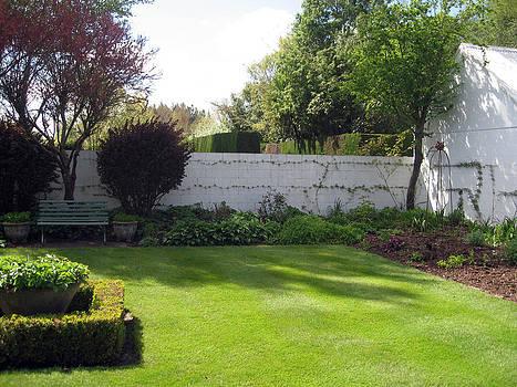 Rachael Shaw - Millstream Gardens 2