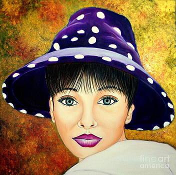 Mirada De Glamour-4 by Carmen Junyent