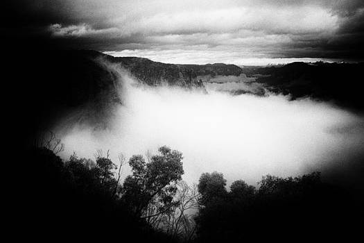Misty Grose Valley by Geoff Smith