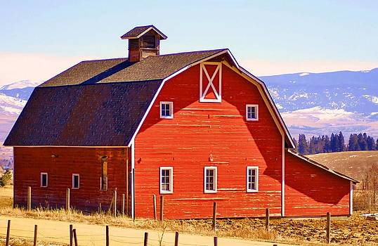 Montana Red Barn by William Kelvie