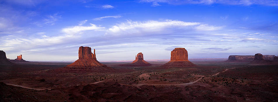 Monument Valley at Dusk by Andrew Soundarajan