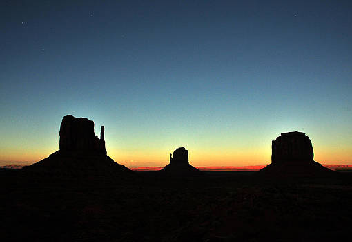 Monument Valley Sundown by JD  Fielding