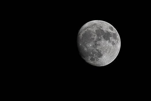 Moon through my lens by Vanessa Espinoza