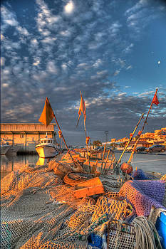 Morning Harbour Light by Tony Unwin