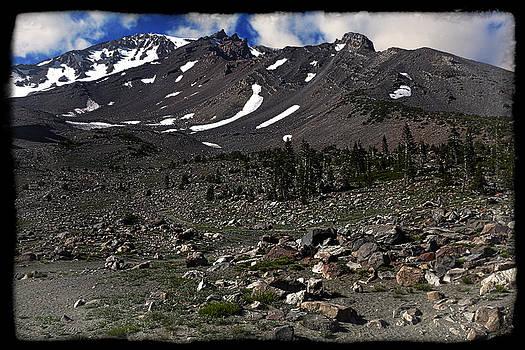 Mt. Shasta by Darren  Cornea