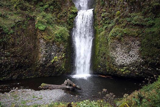 S and S Photo - Multnomah Falls - 0003