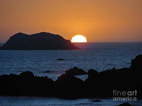 Mystic Sunset by Suze Taylor