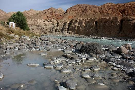 Naryn River by Frederic Vigne