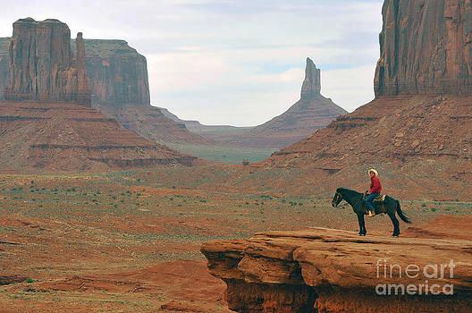 Dan Friend - Navejo on horse in Mounument Valley Park
