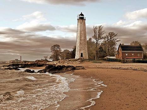 New Haven Lighthouse by Frank Garciarubio
