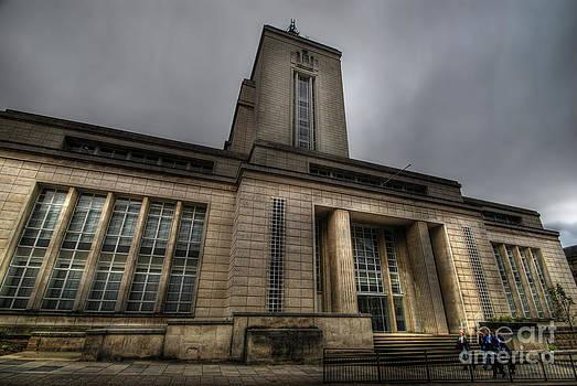Yhun Suarez - Newton Building - Nottingham