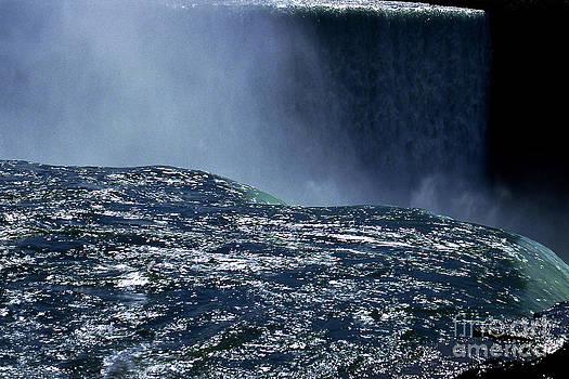 Niagara by Barry Shaffer