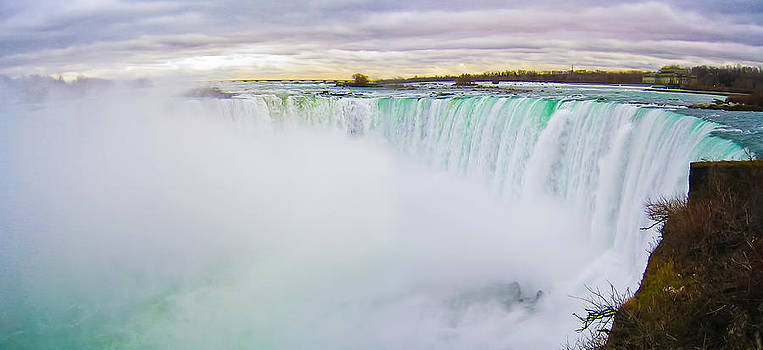 Niagara Falls by Albert Tan photo