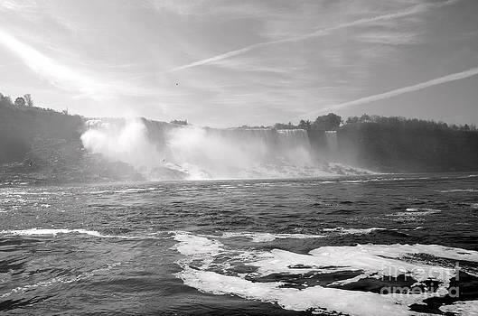 Pravine Chester - Niagara Falls in Monochrome