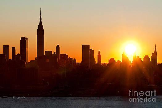Regina Geoghan - NY Skyline Dec Sunrise