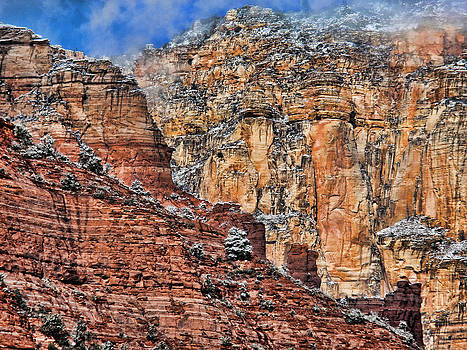 Oak Creek Canyon by Gene Garrison