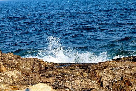 Ocean Splash by Robbie Basquez