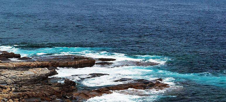 Ocean Waves by Jack Martin