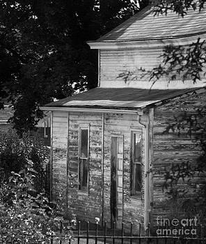 Old Barn by Bernadette Kazmarski