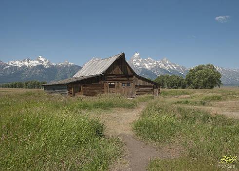 Old Barn by Kenneth Hadlock