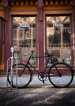 Old Bicycle by Paul Davis