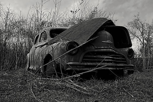 Old Car by Gary  Taylor