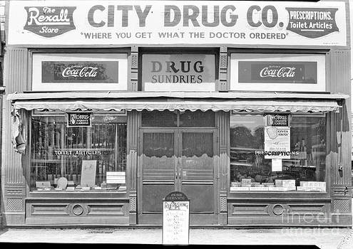 Cris Hayes - Old Drug Store Circa 1930