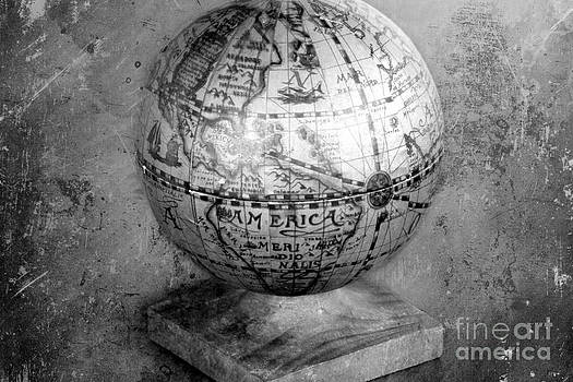 Sophie Vigneault - Old Globe in Black and White