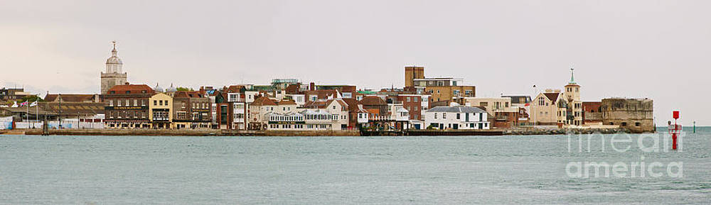 Old Portsmouth Colour by John Basford