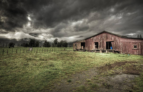 Ole Barn by Jeremy D Taylor