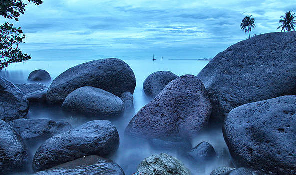 On the Rocks by Jojie Alcantara