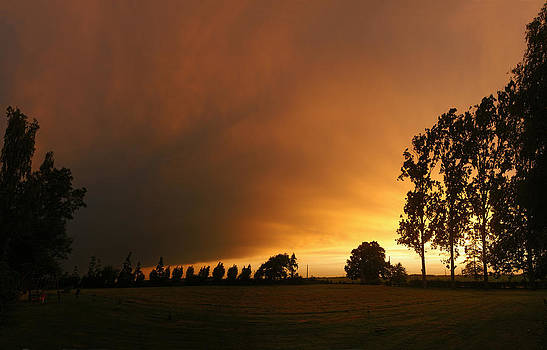 Orange sky by Erik Tanghe