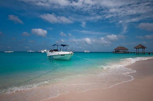 Jenny Rainbow - Out of Border. Maldives