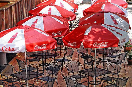 Outdoor Dining by Susan Leggett