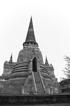 Pagoda by Pitakpong Chansri