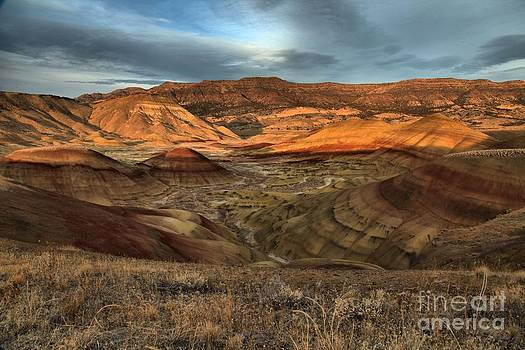 Adam Jewell - Painted Hills In The Fossil Beds