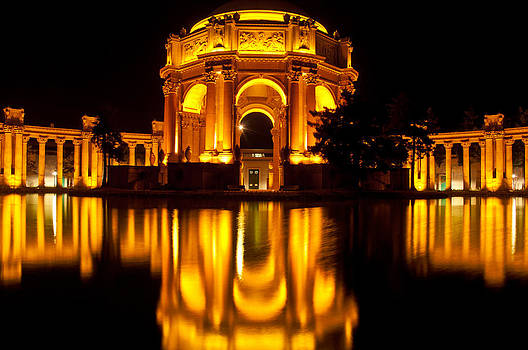 Palace of fine Arts at night by Lucas Tatagiba