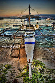 Yhun Suarez - Panglao Island Boat
