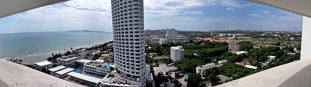 Panoramic Jomtien Beach by Paul Rainwater