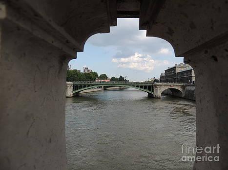 Paris Bridge  by Geraldine Liquidano