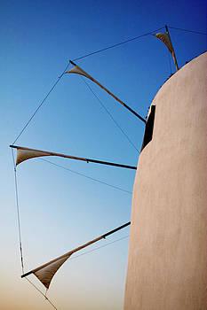 Lorraine Devon Wilke - Paros Windmill Profile