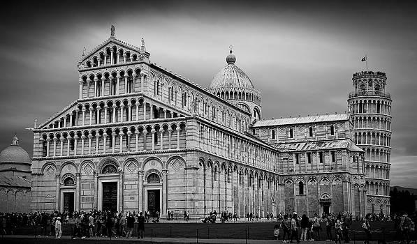 Piazza dei Miracoli Pisa by Brian  Minnis