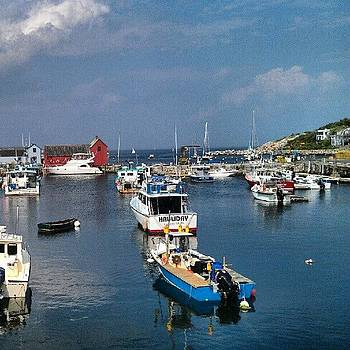 Picturesque Day In Rockport by Linda Cordner