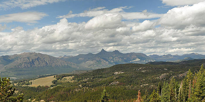 Pilot Peak Panorama by Victoria Porter