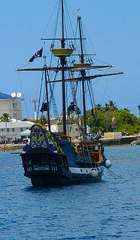 Stacey Robinson - Pirate Ship Grand Cayman