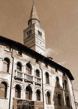 Donna Corless - Pordenone Tower