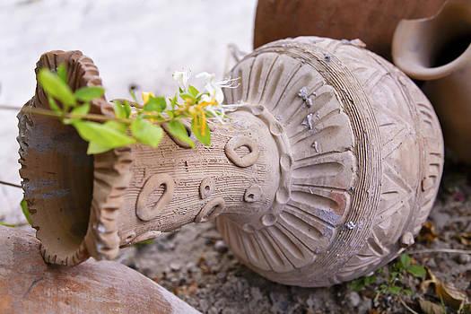 Kantilal Patel - Pot Garden Ornament