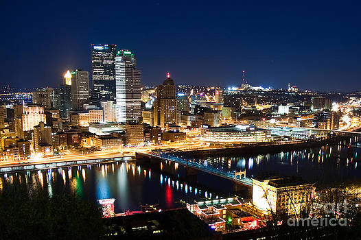 Pttsburgh downtown by Bobby Malik
